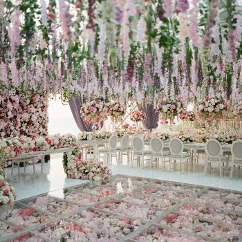 Why It's Worth Investing into Wedding Decor and Flowers